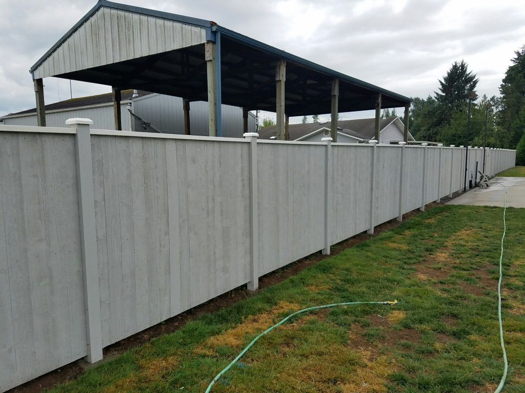 Vinyl Fence Installation Service & Repair near Everett