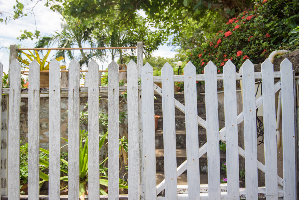 Beautiful, Durable Picket Fence Installation and Repair in Mill Creek