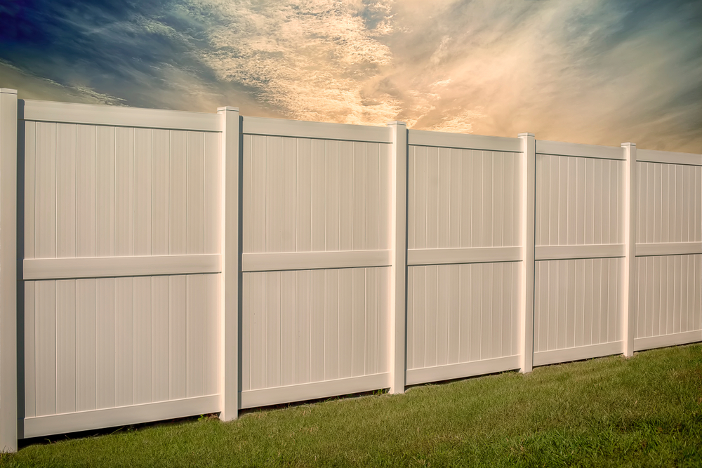 Vinyl Fence Installation Service & Repair In Snohomish - Call Us Today!