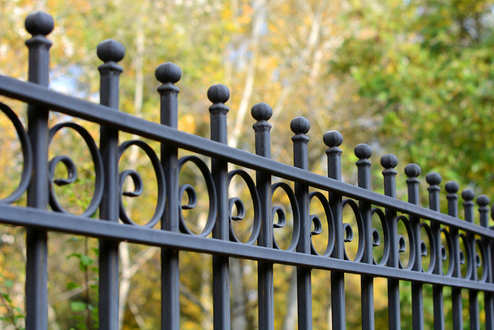 High-Quality Iron Fence Installation Service & Repair In Arlington
