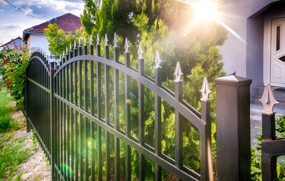 Hire Who You Can Trust For Iron Fence Repair & Installation In Bothell