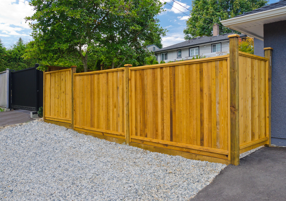 Everett Homeowners Receive Residential Fence Installation Service & Repair When They Need It